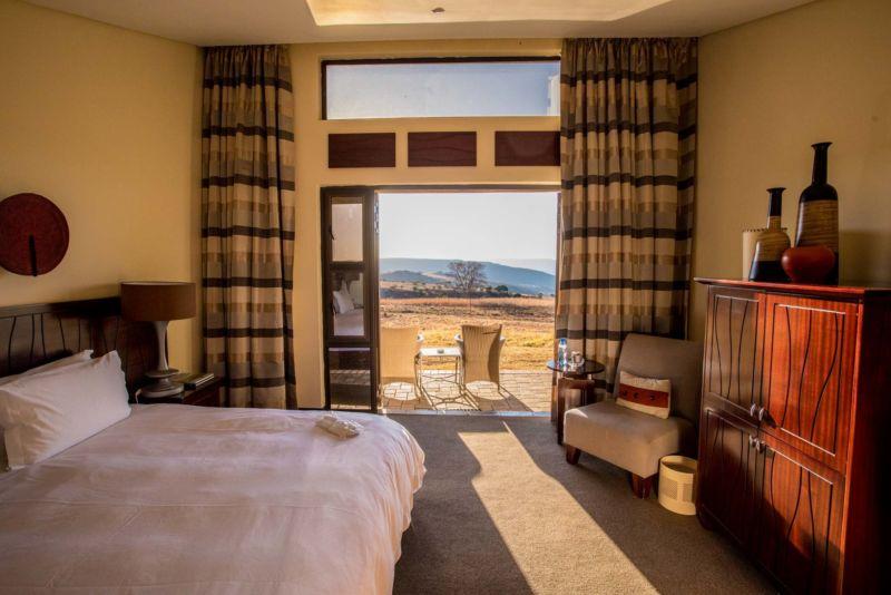 HotelJLEE3021 2[1]